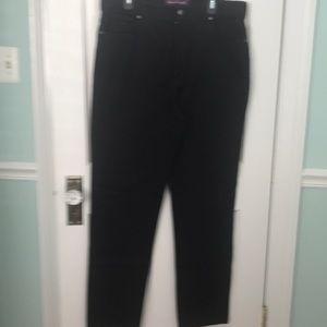 "Gloria Vanderbilt ""Amanda"" Black Jeans"